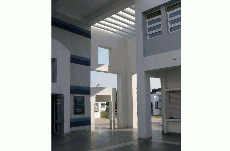 dhirubhai ambani school